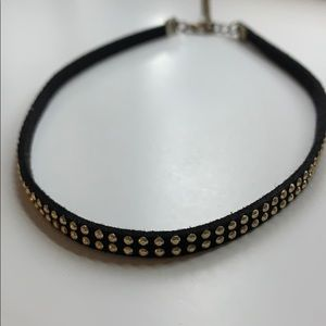 A cute gold studded choker! 👑